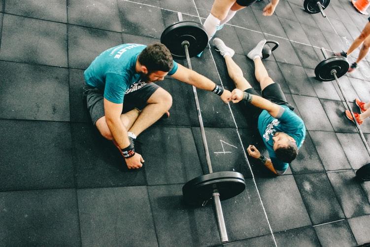 commandements du crossfit aider athlètes