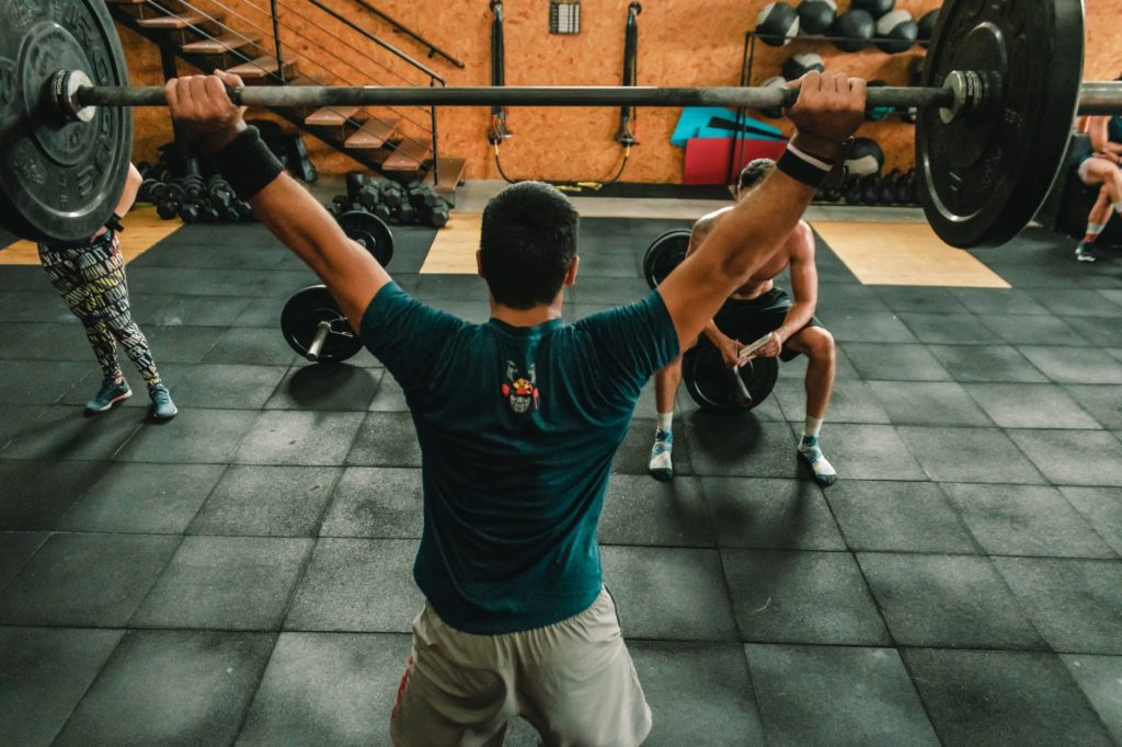 homme crossfit snatch